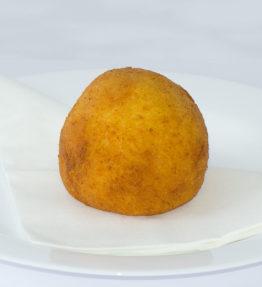 Arancini ( Reiskugeln gefüllt mit Fleisch-Ragù )