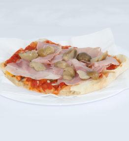 Funghi e Prosciutto (Mozzarella, pomodoro, funghi, prosciutto)